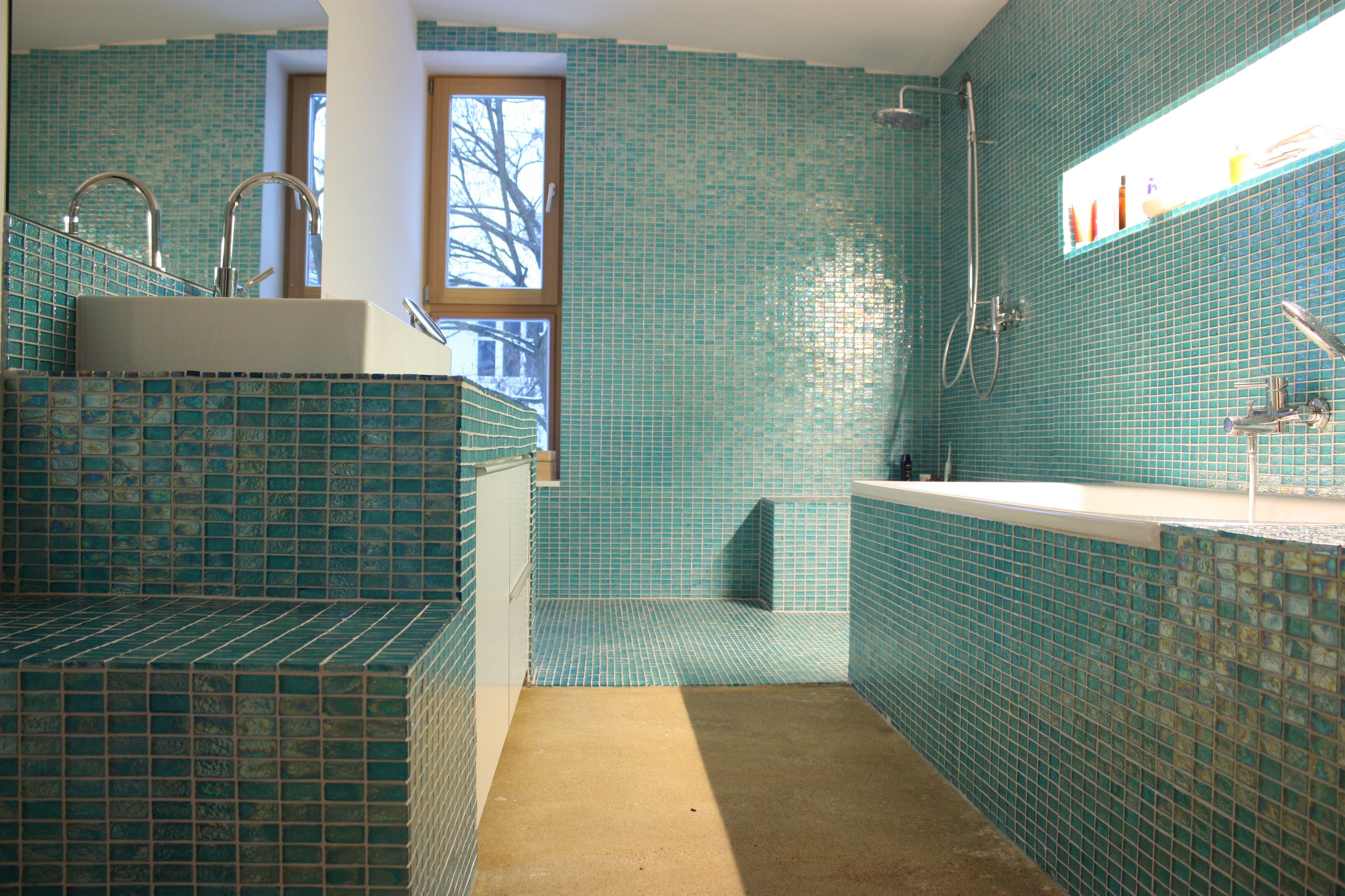 Bad Gefliest Badewanne Dusche Bad Einrichten Waschtisch Bad Fliesen