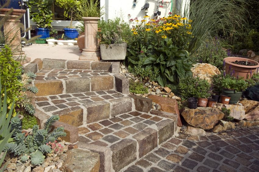 Naturstein Terrasse U2013 Besondere Optik Für Das Gesamte Grundstück #Terrasse  #Gartenbau #Terrassenbau