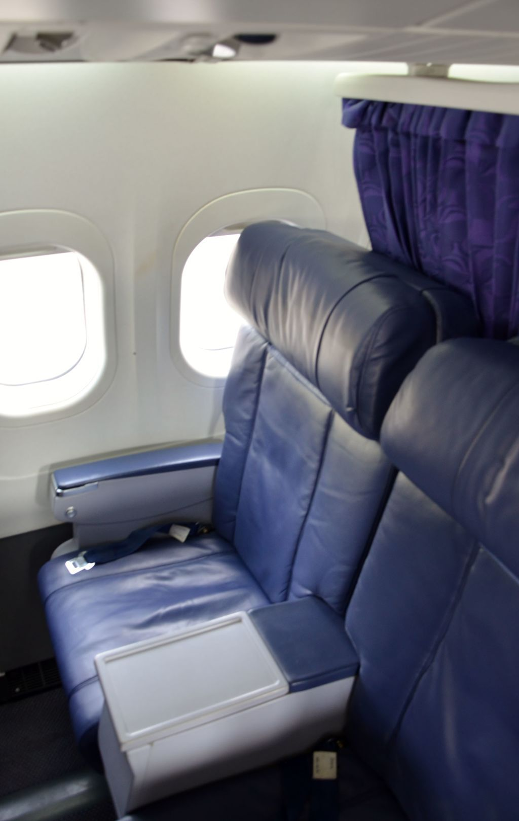 Hawaiian Airlines Boeing 717 200 First Class Cabin Seats Photos Hawaiian Airlines Fleet Boeing