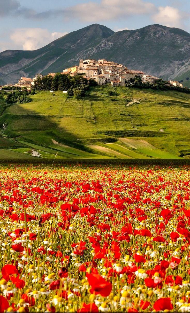 Castelluccio Umbria Italy Italy Vacation Umbria Italy