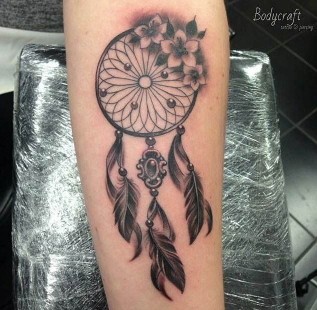 50 gorgeous dreamcatcher tattoos done right traumf nger. Black Bedroom Furniture Sets. Home Design Ideas