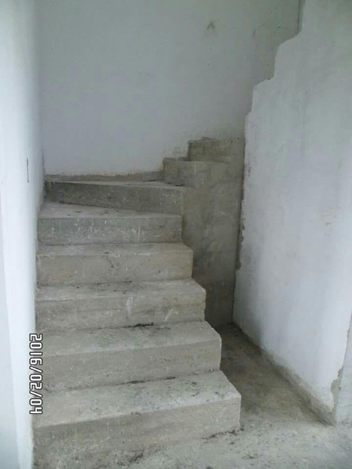 escaleras obra negra