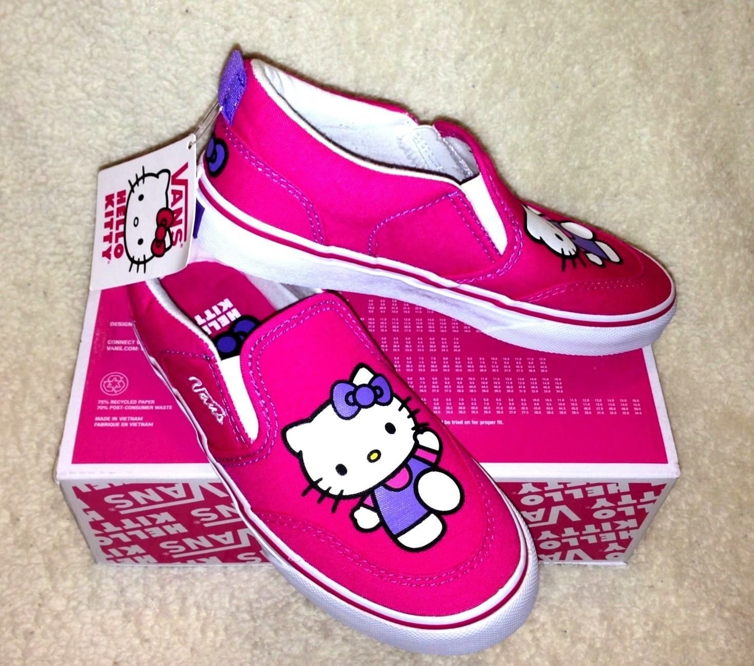 f137e37845 NEW VANS HELLO KITTY Slip On Shoes Pink