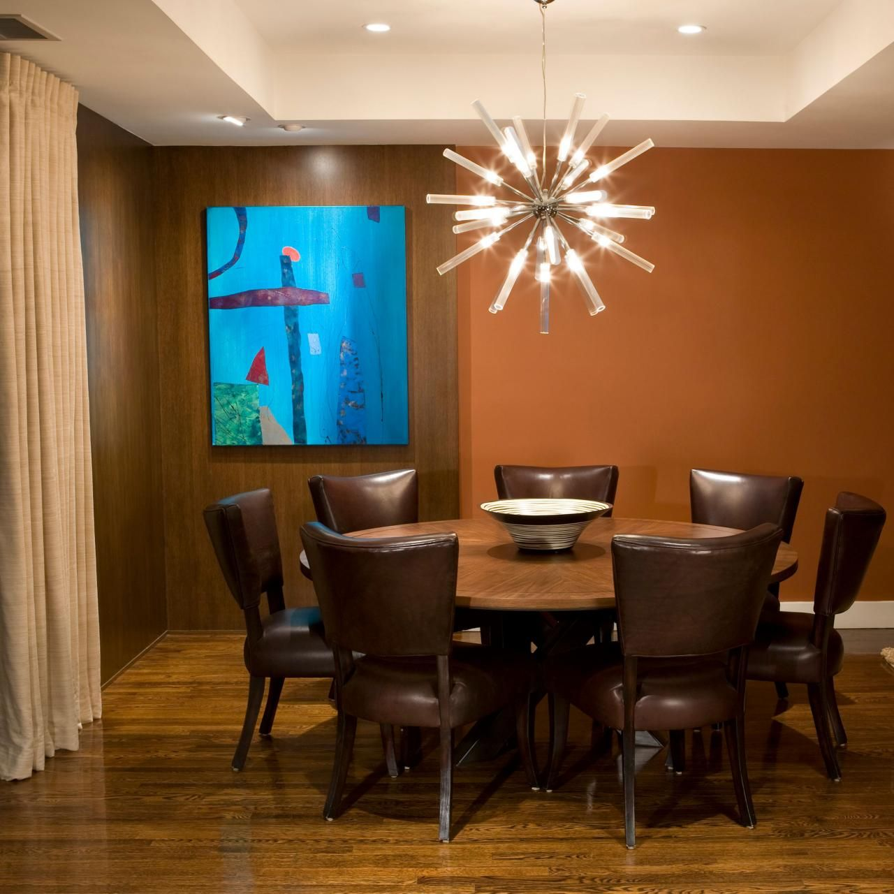 A Sputnik Chandelier Adds A Whimsical Touch To This Midcentury Extraordinary Mid Century Modern Dining Rooms Decorating Inspiration