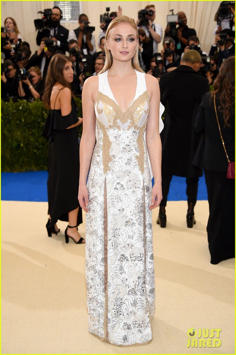 premium selection 19688 688c1 Sophie Turner & Joe Jonas Bring Their Love to the Met Gala ...