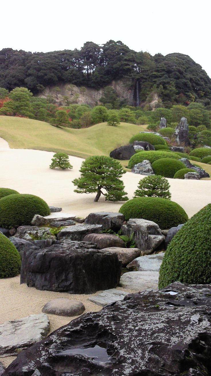Ich besuchte das Adachi Museum of Art in Shimane Japan. Es ist der sehr schöne japanische Garten sie sagen sie sind einer der schönsten Gärten in Japans #zengardens