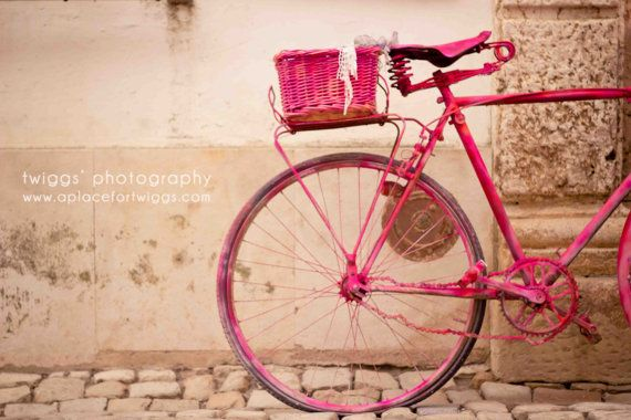 a lovely vibrant pink bike... what more could we girls ask for?