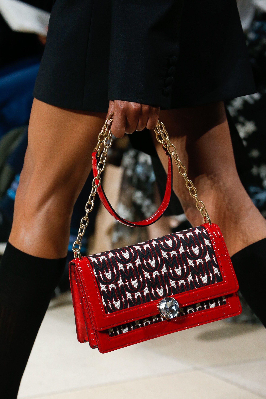Miu Miu Spring 2019 Ready-to-Wear Collection - Vogue Miu Miu Handbags 4889938dcc71a