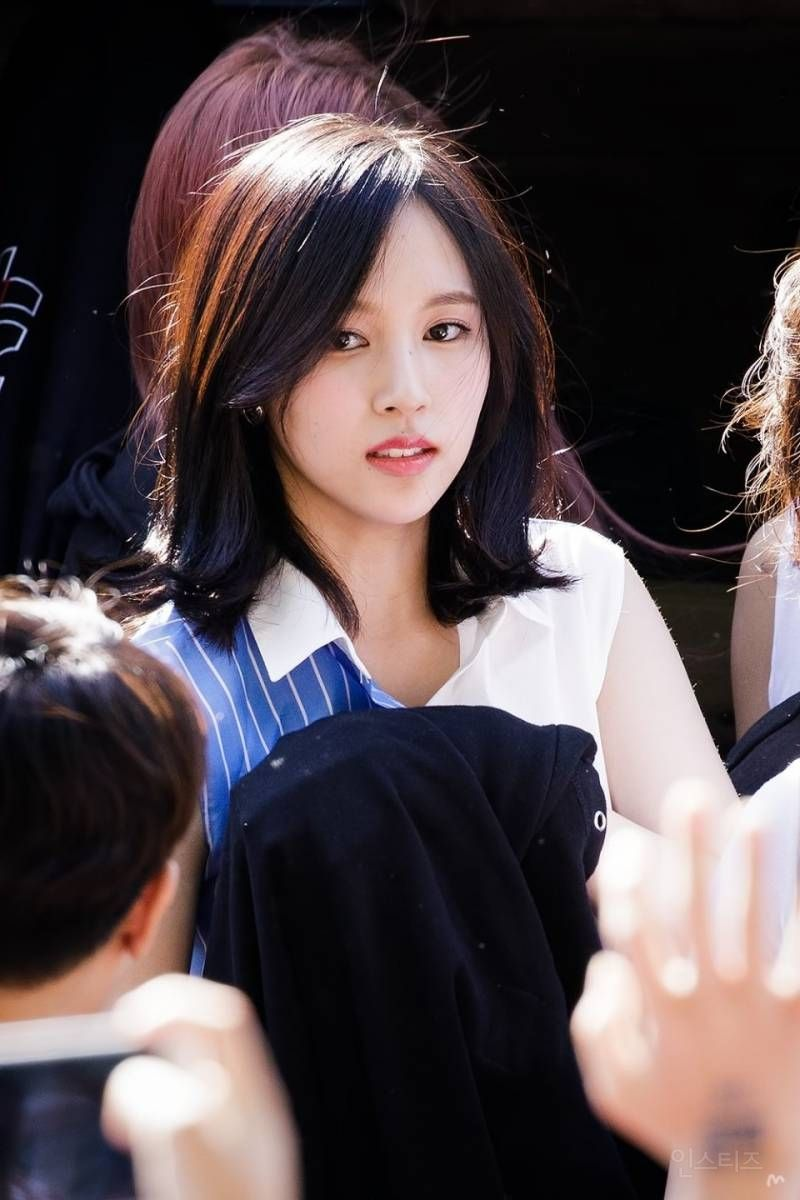 Female Idol Who Has An Odd Vibes In Her Which Is Known As The Characteristic Of Japanese Pannatic Mina Beauty Pop Kpop Girls