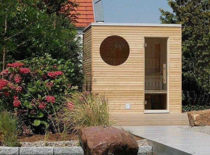 die edle sauna f r ihren garten oder ihre dachterrasse kompakt und dennoch mit h chstem. Black Bedroom Furniture Sets. Home Design Ideas