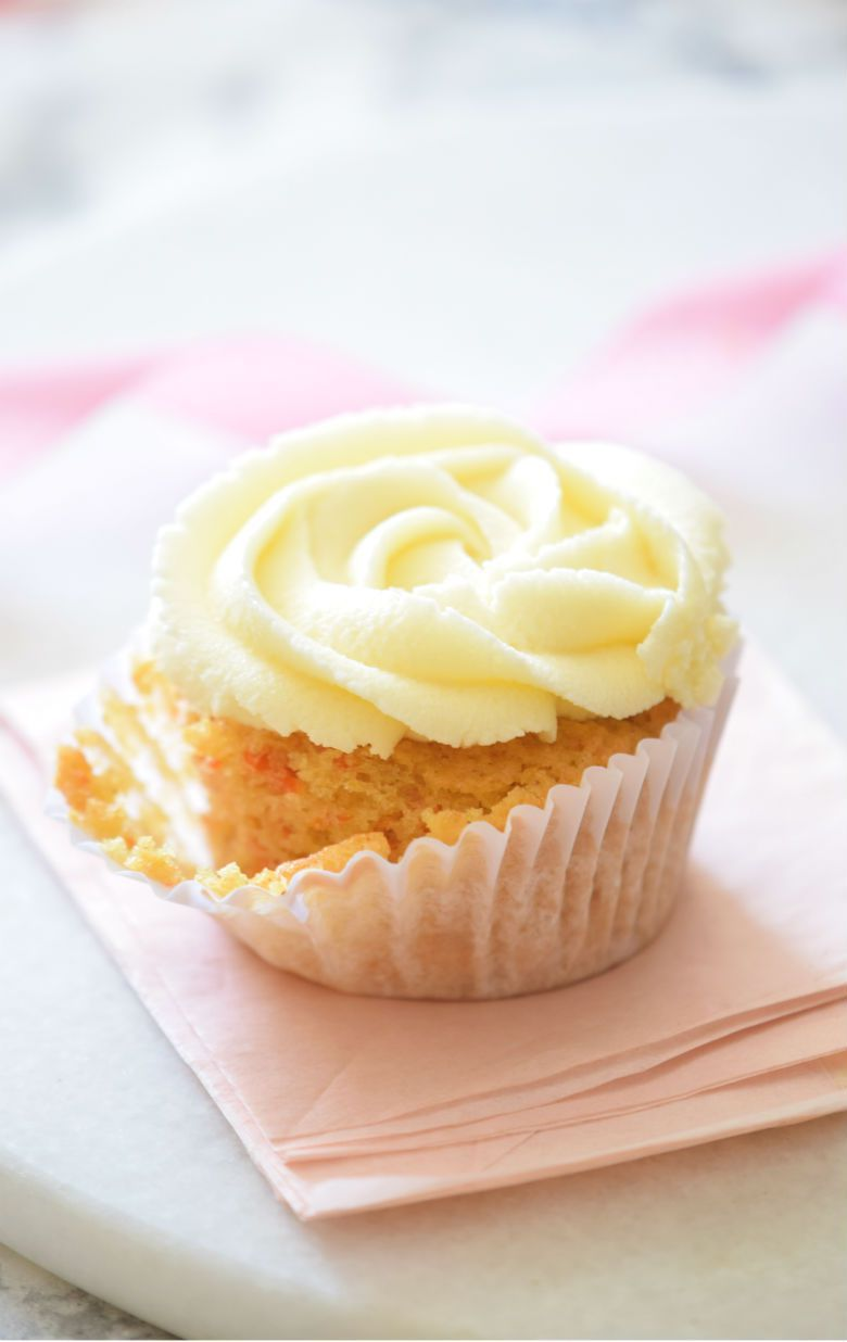 ultimate carrot cake cupcakes