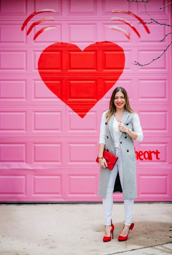 cf77c1fc58 Love the pink garage door. Perfect for taking pictures up against.