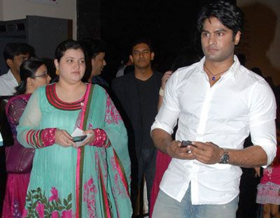 Naa Peru Surya Review Nps Nsni Rating Bharath Ane Nenu Box Office Sudheer Babu