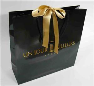 asa de cordão de algodão preta, fita no centro de cetim ouro, 2 cores (preto+ouro), plastificação brilho