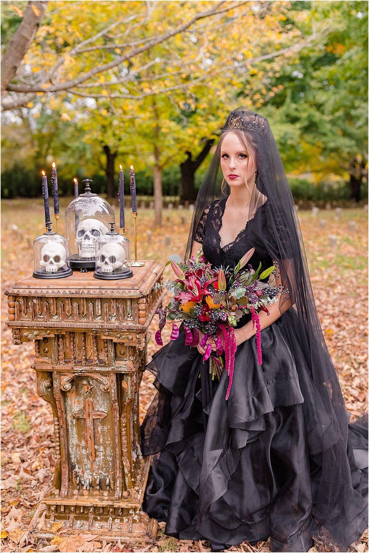 Gothic Wedding Dress Inspiration For Halloween Gothic Wedding Popular Wedding Dresses Black Wedding Dress Gothic [ 1831 x 1222 Pixel ]