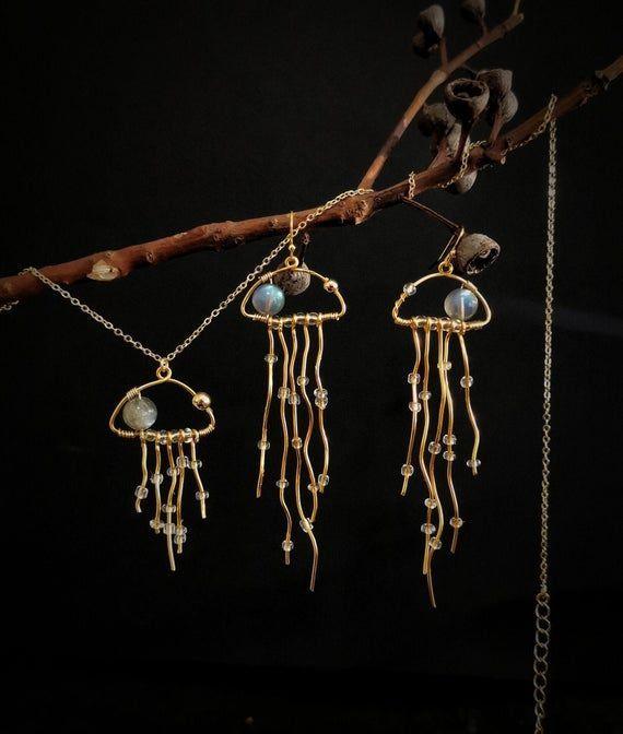 Photo of Labradorite Quallen Anhänger und Ohrringe Set, Gold Wire Wrapped Jewelry Set. -…