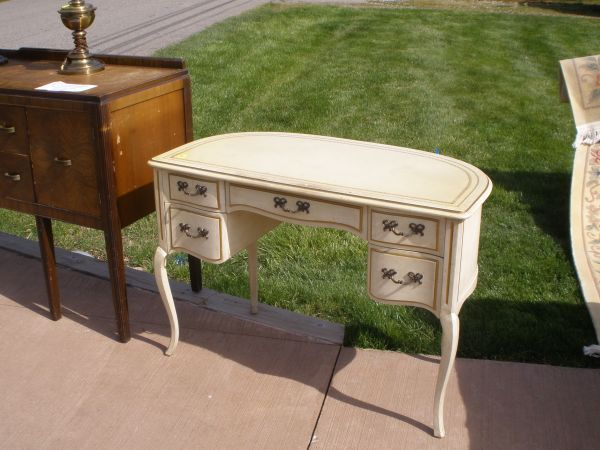 dressing table on craigslist for 125 i want it for my