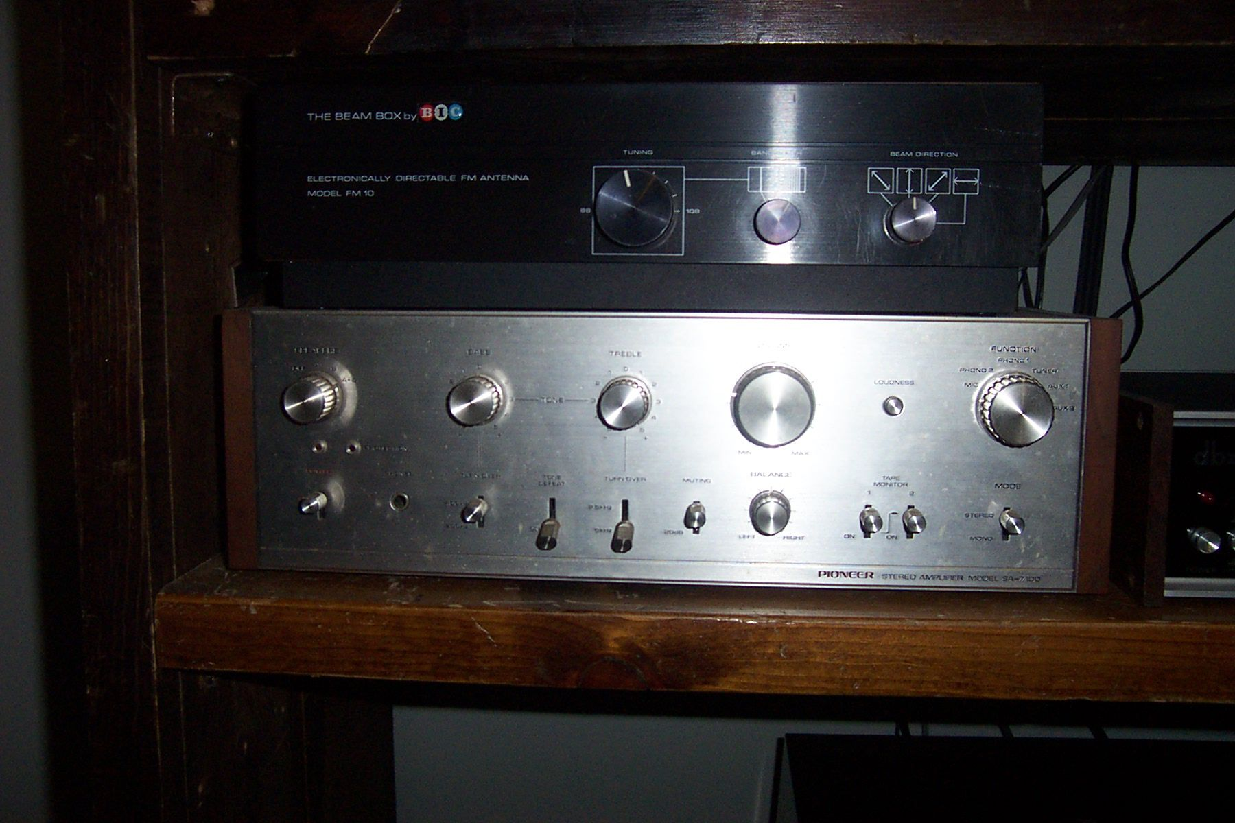 Pioneer SA-600 Amplifier, BIC Beam Box FM antenna | I did have one