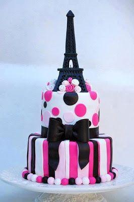 tarta de cumple decorada con la torre eiffel