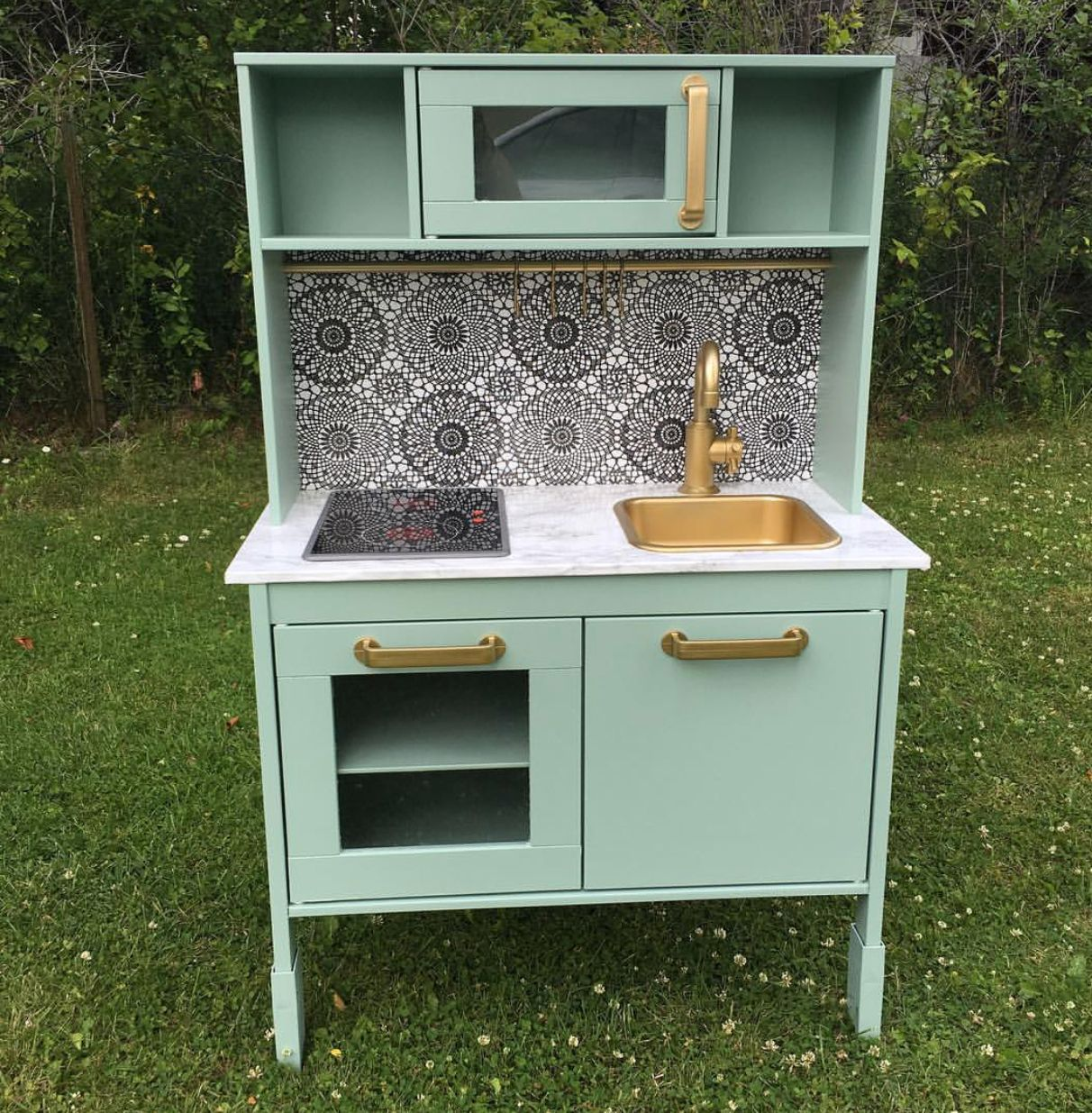 Pin by Nikol Hencl on Play kitchen Play kitchen, Kitchen