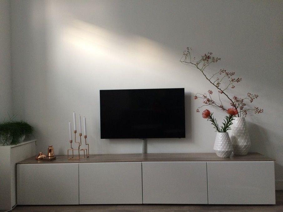 Tv Meubel Van Ikea Zorgt Voor Veel Opberg Ruimte En Is