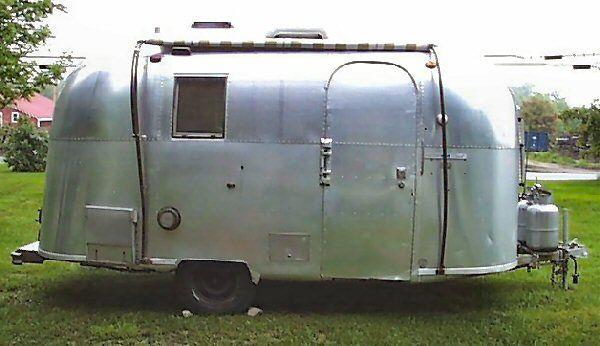 Vintageairstreamer.com - 1966 Caraval