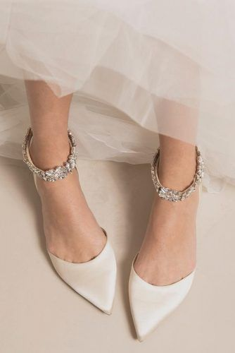 Excellent Totally Free Bridal Shoes flats Concepts There are many points that will get into finalizing your big day lookyour current hairstyle your