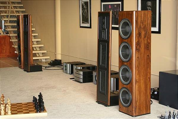 infinity beta with pass labs amps loudspeaker pinterest haut parleur. Black Bedroom Furniture Sets. Home Design Ideas