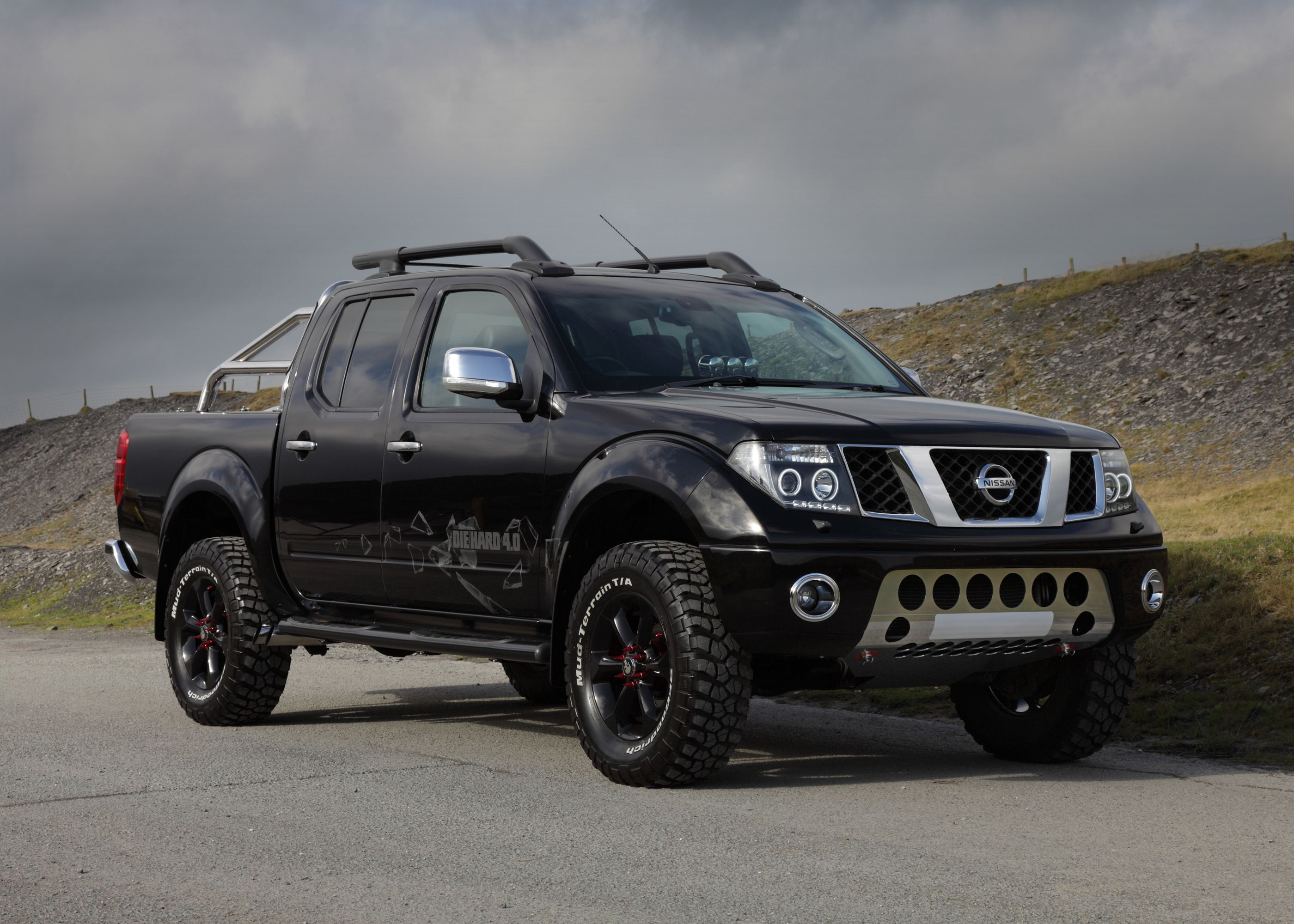 lifted truck custom nissan navara frontier this truck. Black Bedroom Furniture Sets. Home Design Ideas