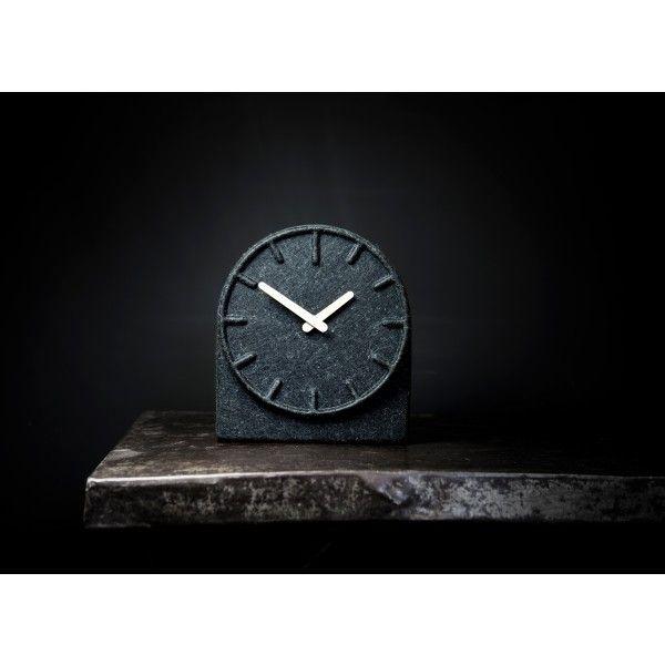 LEFF amsterdam Felt Two klok. Een leuke klok voor in de woonkamer of ...