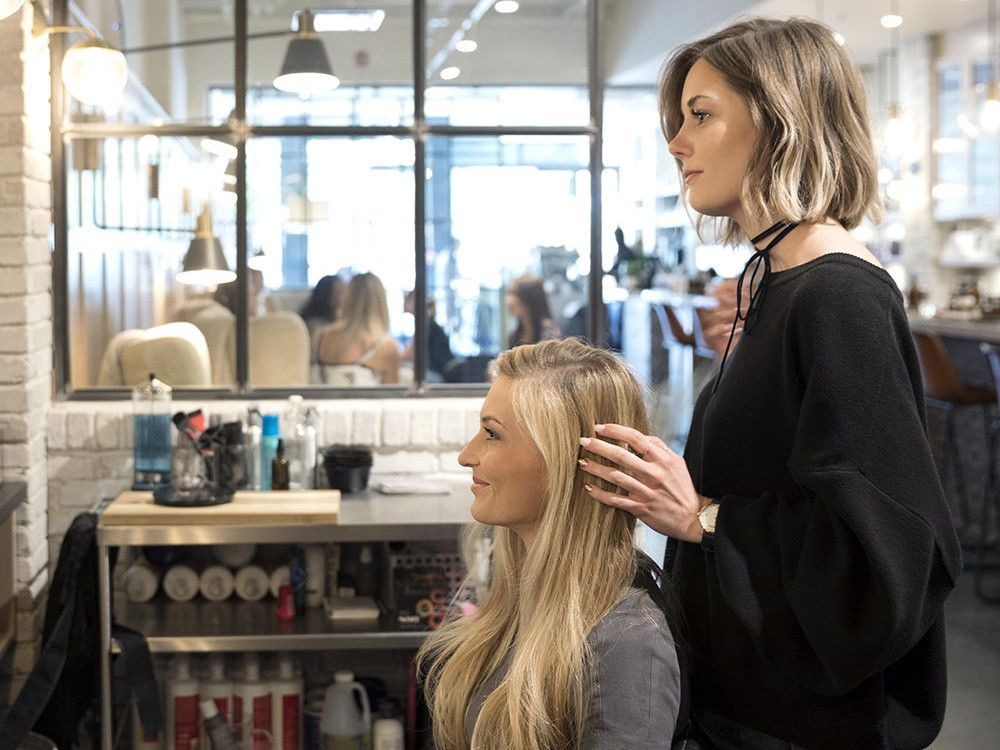 How Much to Tip Hairdressers and Stylists | Tip ...