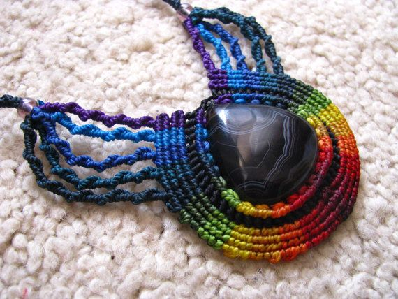 Agate necklace in rainbow
