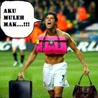 Gambar Foto Lucu Konyol Pemain Sepak Bola Gambar Kata Kata Funny Funny Memes Memes