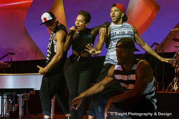 Alicia Keys faz seu segundo show em Sydney com participação de Jessica Mauboy | Alicia Keys Brasil