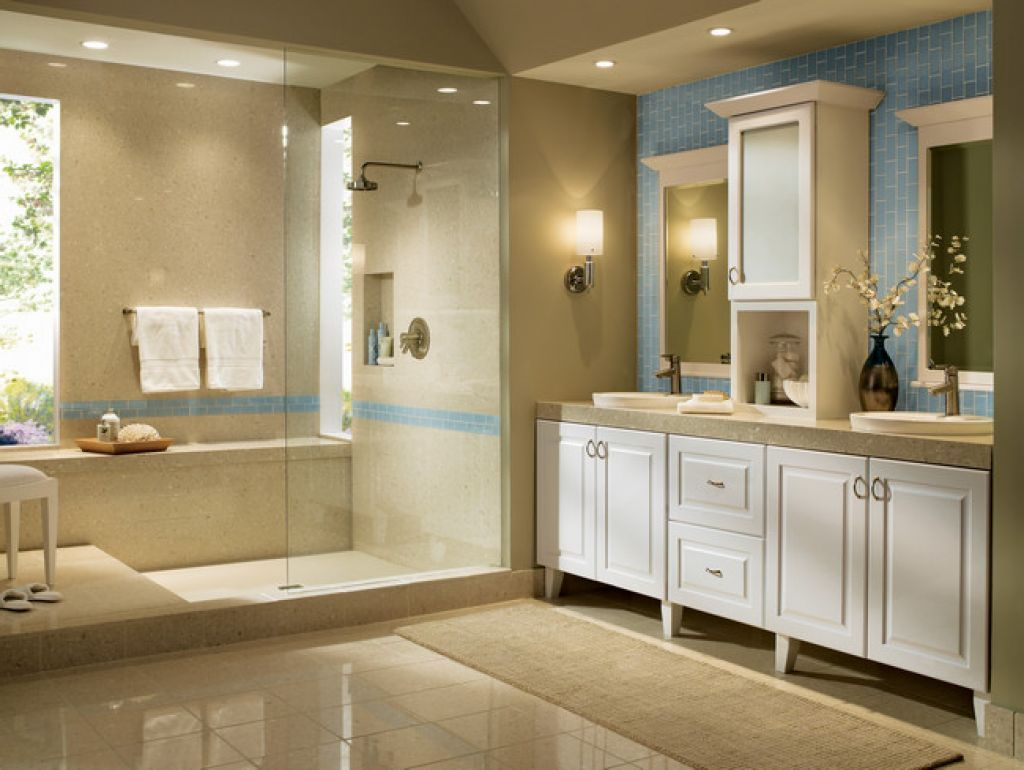 Pic On  kraftmaid bathroom cabinets Small Bathroom Ideas Has room for pull out steps under