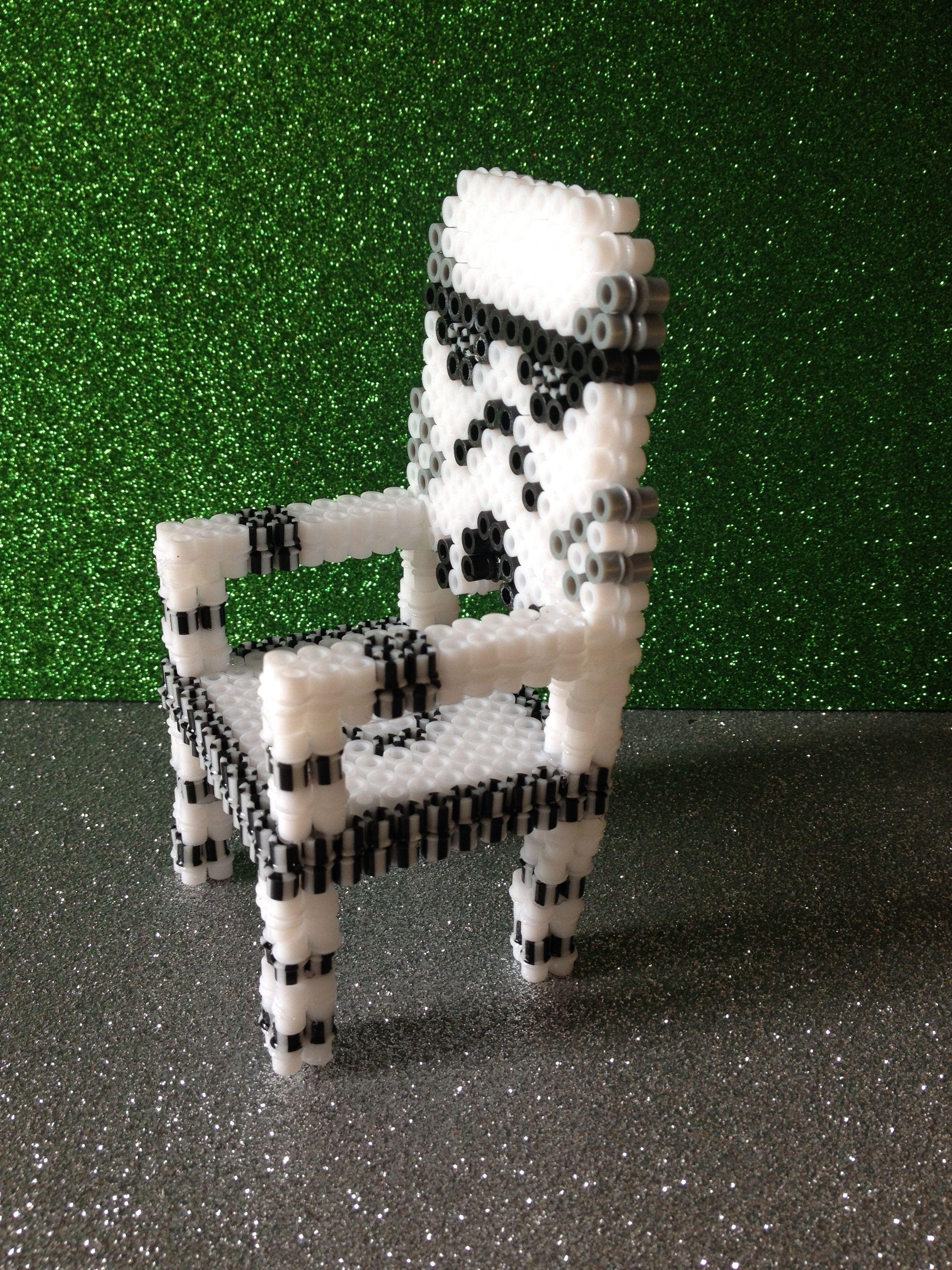 silla de star wars hecho con hama beads