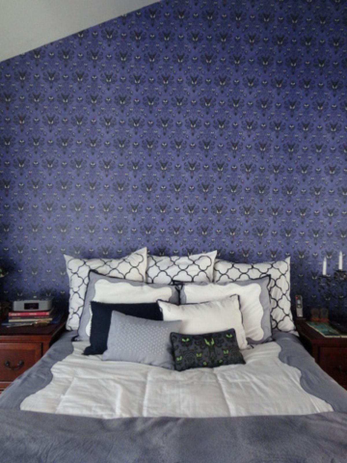 Dream Room: A Disney Haunted Mansion Bedroom   Haunted ...  Haunted Mansion Themed Bedroom