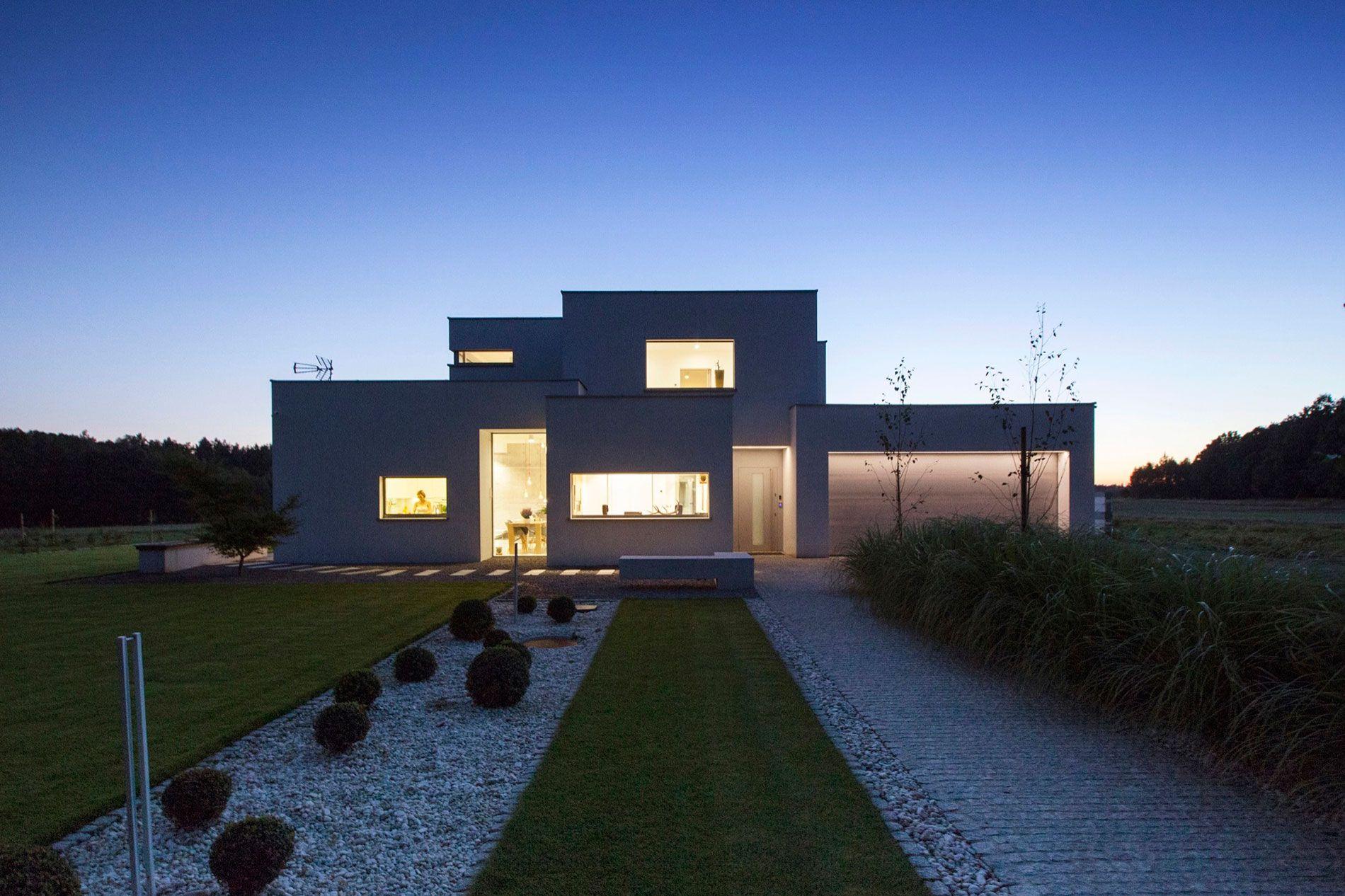 BXBstudio Boguslaw Barnas entwirft ein zeitgenössisches Haus in ...