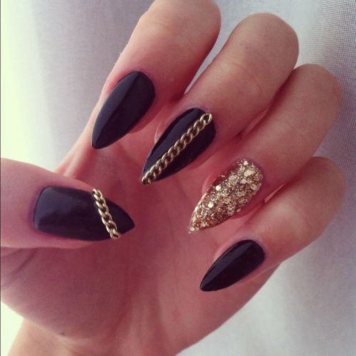 25 amazing pointed nail art ideas nail me pinterest pointy black with gold chain and gold sparkles stiletto nails prinsesfo Gallery