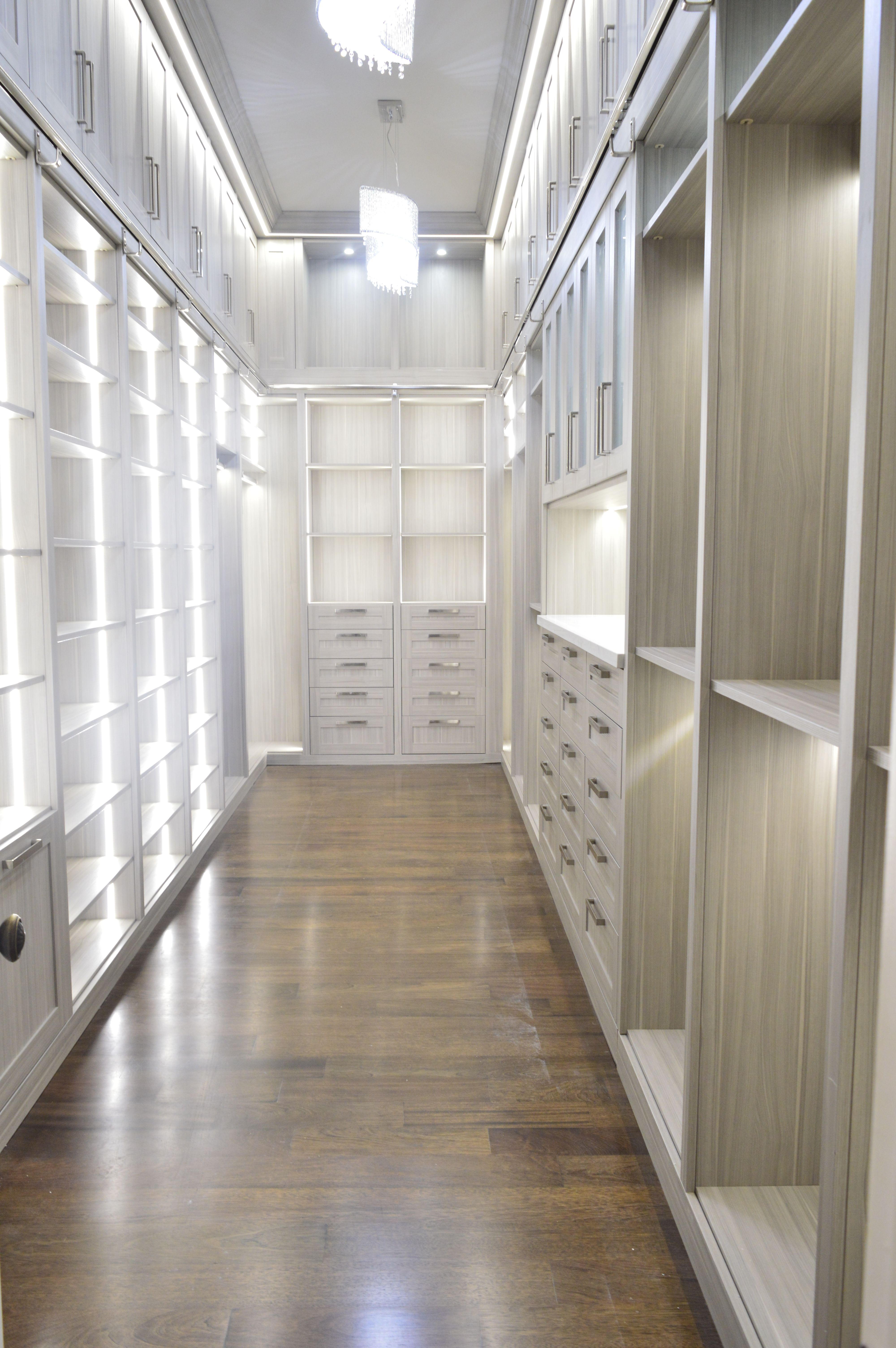 Closet With Theril Shaker Design