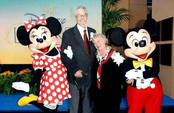 The man who does Mickey's voice is married to the woman who does Minnie's voice in real life!!