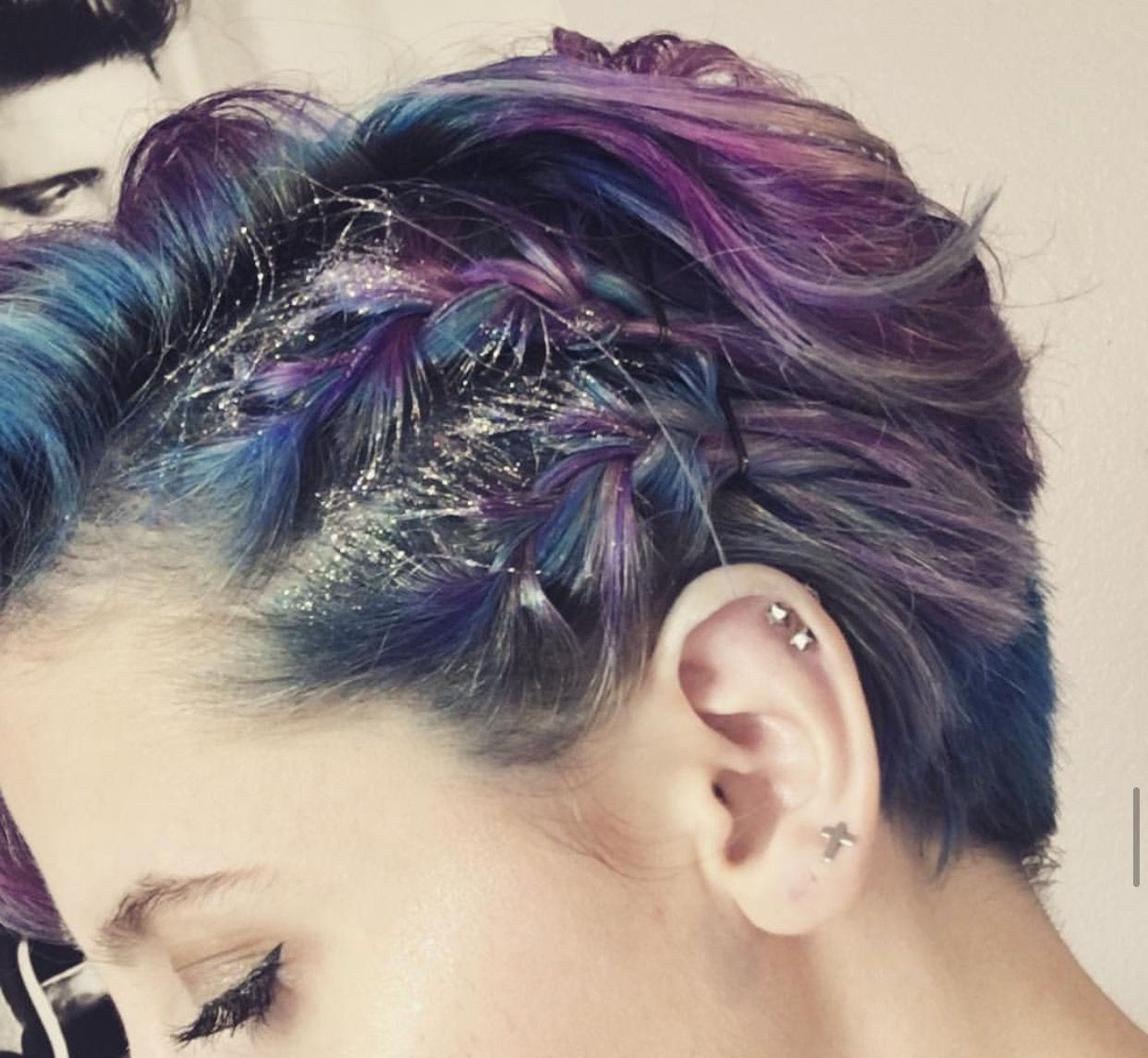 Loving This Mermaid Color And Glitter Roots Look Greathair Haircolor Glitterroots Hair Advice Hair Beauty Cool Hairstyles