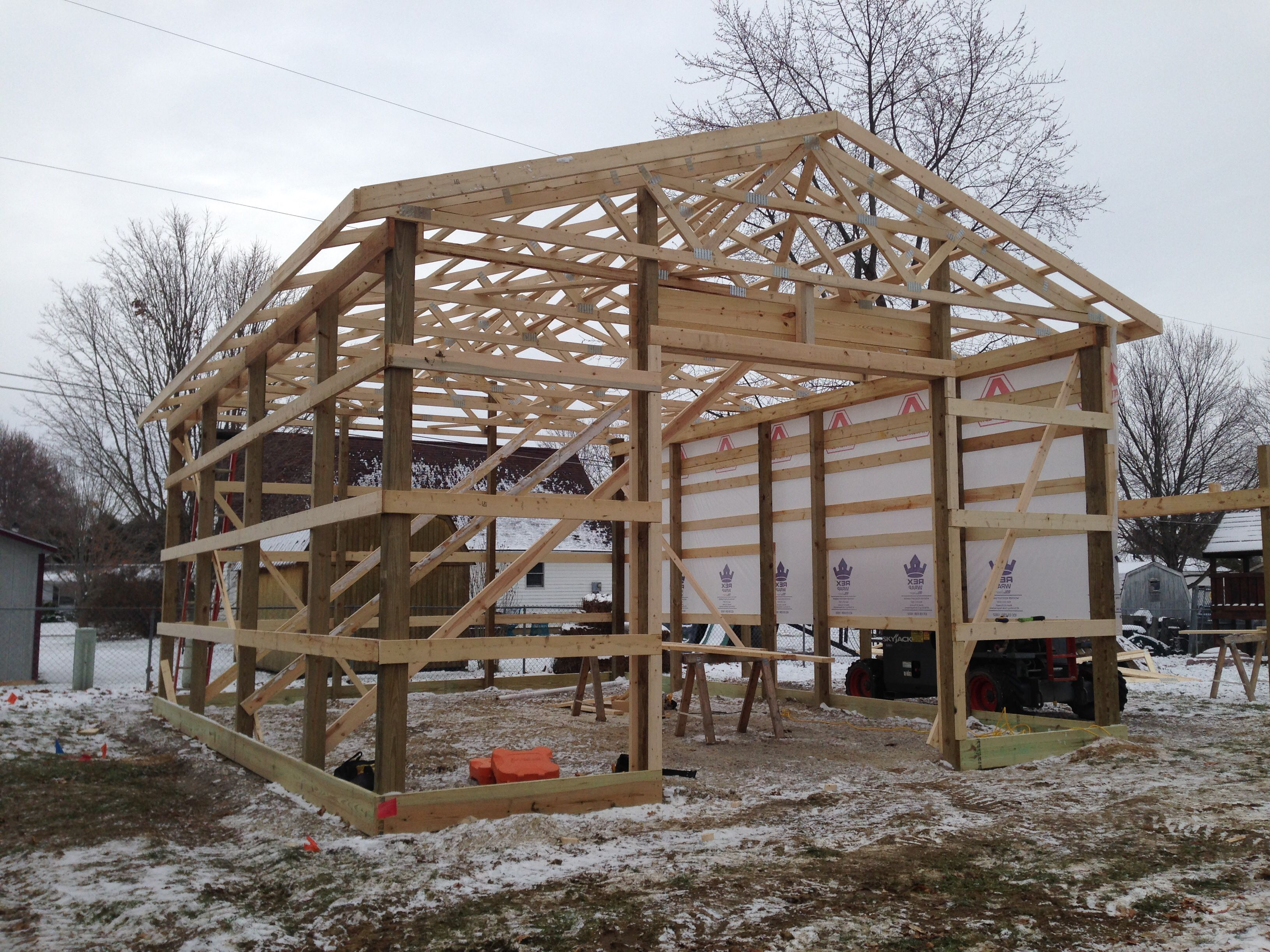 Wood Trusses Wood Truss Pole Barn Homes Post Frame Building
