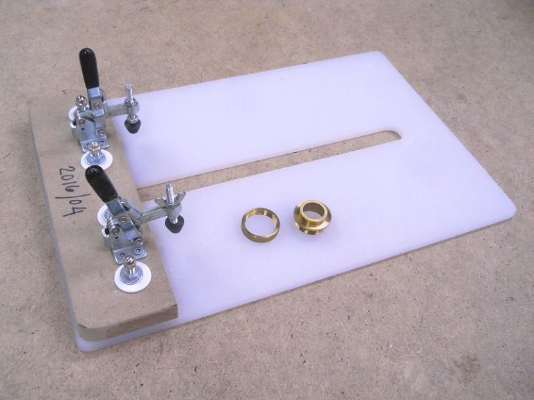Router Table Guide Bushing Substitute / Substitut pour