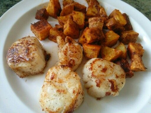sauteed sea scallops with spicy roasted sweet potatoes