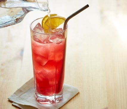 Sparkling Pomegranate Meyer Lemonade #sparklinglemonade