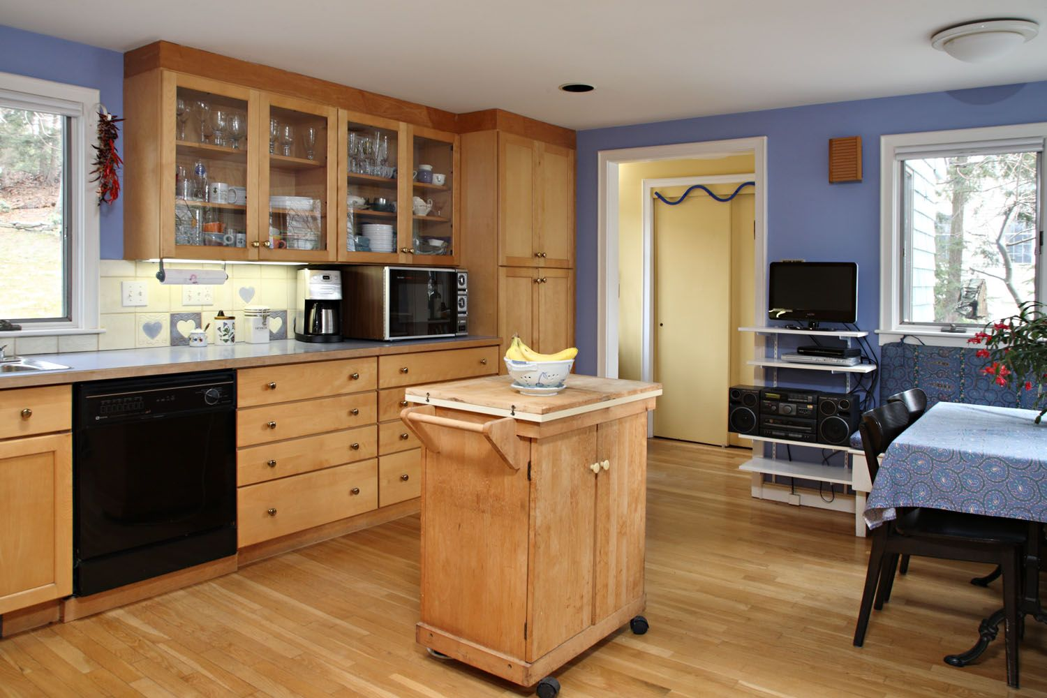 Natural Design Of The Kitchen Paint Color With Maple Cabinets And Woodern  Floor