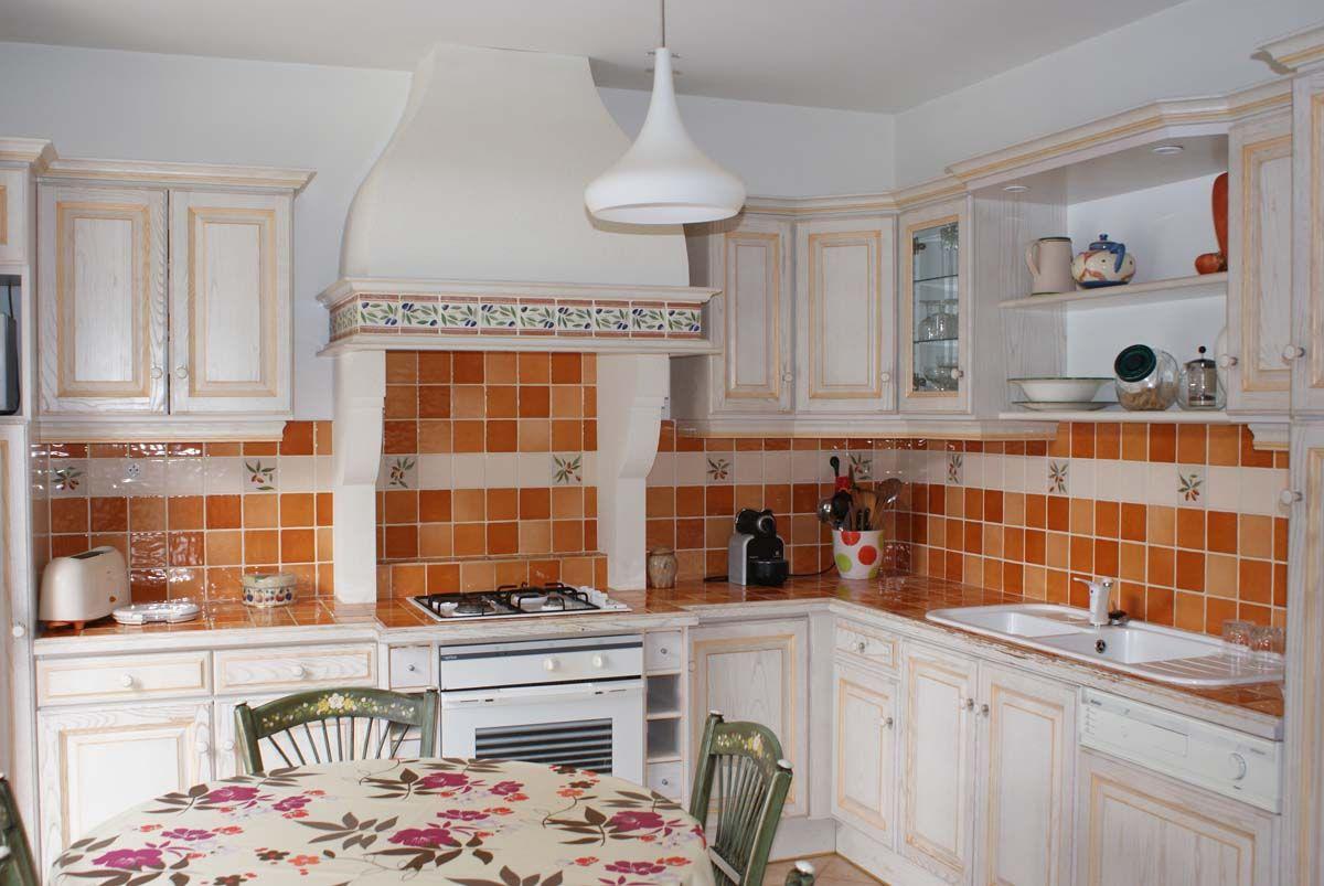 Réalisez une cuisine provençale  Cuisines rustiques modernes