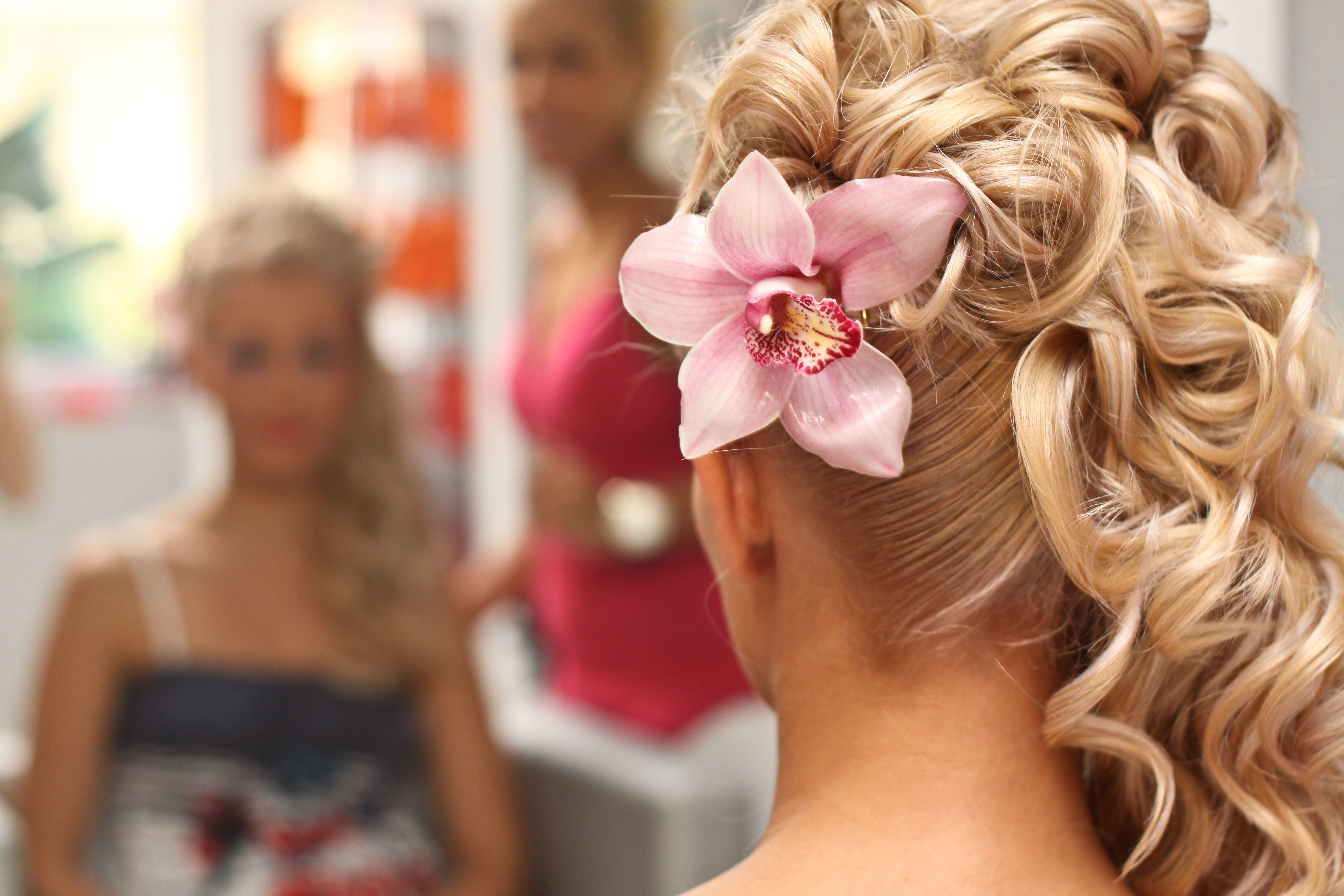 обувь свадебные прически фото со шпильками два розового цвета