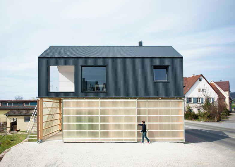 Love the metal facade of this place Interiors and Architecture - avantage inconvenient maison ossature metallique
